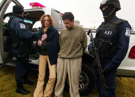 Florence Cassez e Israel Vallarta detenidos por elementos de la AFI